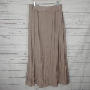 Chico's Long Pleated Tan Maxi Skirt Sz 1